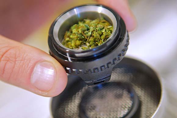 http://cannabiscorner.net/wp-content/uploads/2017/04/volcano001.jpg